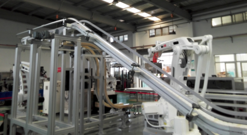 机器人与柔性链应用